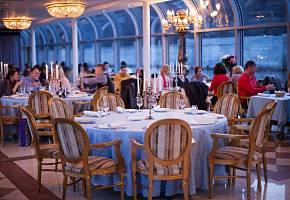 Романтический ужин на борту