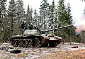 БМП, танк, музей